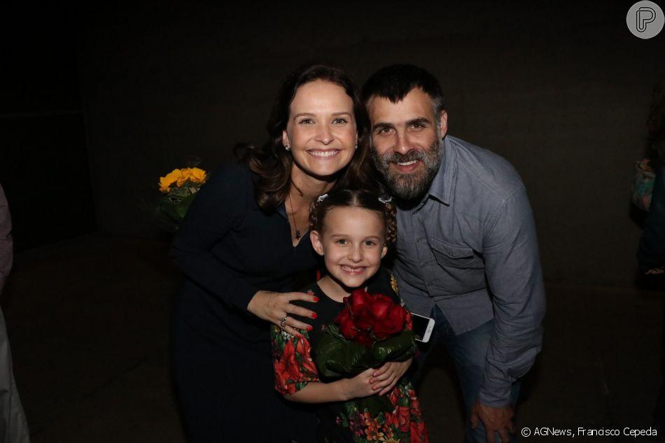 Fernanda Rodrigues e o marido, Raoni Carneiro, conferiram a estreia da filha, Luisa, de 8 anos, no musical 'A Noviça Rebelde', no Rio de Janeiro, nesta sexta-feira, 20 de julho de 2018
