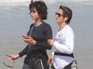 Lan Lanh posa com namorada, Nanda Costa, em passeio de lancha: 'Minha caiçara'