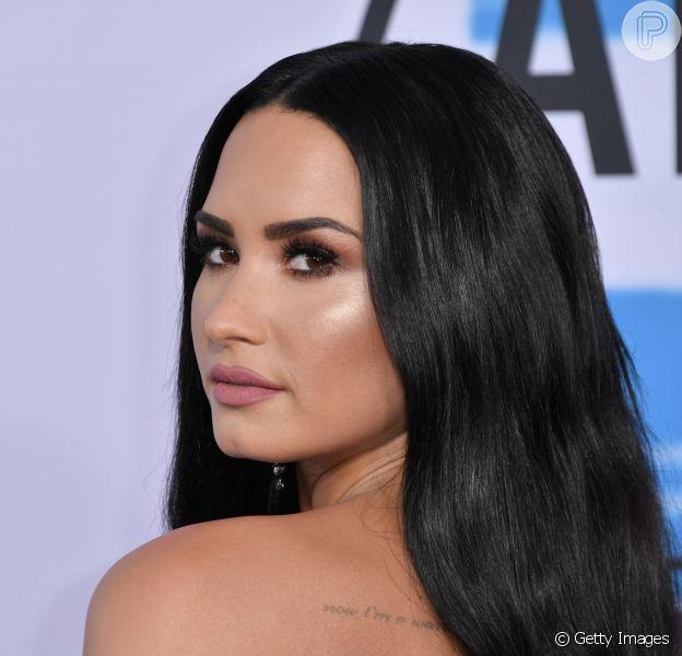 Após suspeita de overdose, Demi Lovato está 'responsiva' em hospital, diz tia em postagem nesta terça-feira, dia 24 de julho de 2018