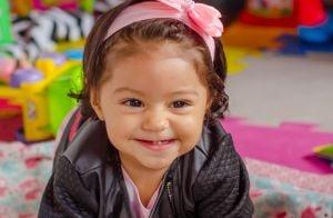 Filha de Juliana Alves, Yolanda esbanja fofura em ensaio de 10 meses. Fotos!