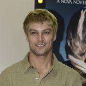 Raphael Sander adota cabelo loiro para ser anjo em 'Jesus': 'Não reconheceram'