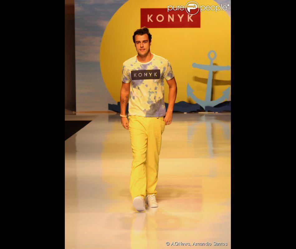 Joaquim Lopes desfilou na semana de mode de Vitória, no Espírito Santo, nesta quarta-feira, 30 de julho de 2014