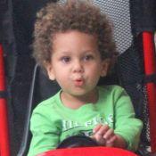 Travessura! Filho de 3 anos de Igor Rickli raspa sobrancelha: 'Desculpa, papai'