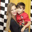 Lettycia Maestri mora com o filho no Espírito Santo