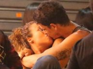 Atores Rafael Losso e Juliane Araújo trocam beijos e carinhos em bar. Fotos!