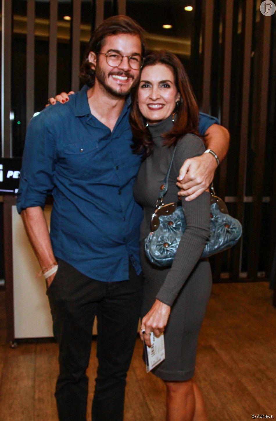 Túlio Gadêlha e a namorada, Fátima Bernardes, curtiram noite fria em São Paulo neste sábado, 11 de agosto de 2018