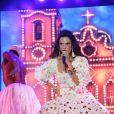 Vestida de baiana, Ivete Sangalo estreou nacionalmente a sua turnê IS 20, no município de Serra, no Espírito Santo