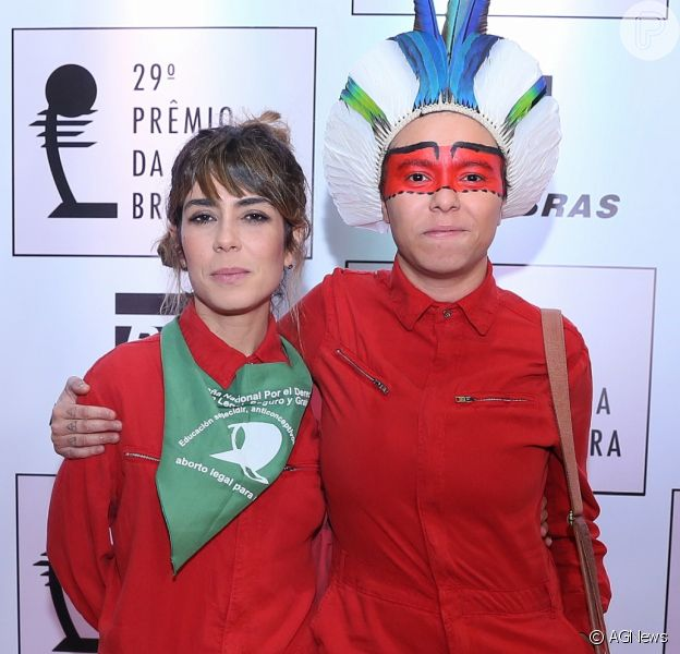 Maria Gadú e a mulher, Lua Leça, na29ª edição do Prêmio da Música Brasileira,no teatro Municipal, no centro do Rio de Janeiro,na noite desta quarta-feira,16 de agosto de 2018