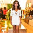 Juliana Paes deixou lingerie à mostra em look all white aoprestigiar o lançamento da nova Rosset Concept Stores, em São Paulo, em agosto de 2018