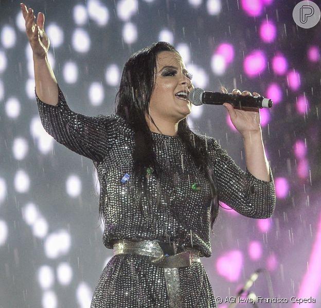 Maraisa cantou embaixo de chuva na Festa do Peão de Barretos, no interior de São Paulo, na madrugada deste sábado, 25 de agosto de 2018