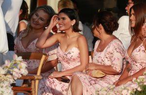 Klebber Toledo se ajoelha para colocar aliança de casamento em Camila Queiroz