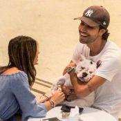 Recém-casados, Sthefany Brito e marido passeiam com cachorro em shopping. Fotos!
