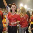 Mariana Belém sorri para fotoógrafo no camorte da Brahma, no Sambódromo do Anhembi, em São Paulo
