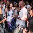 Juliana Paiva cai o samba com Rafael Zulu, em festa de aniversário do ator, neste domingo, 9 de setembro de 2018