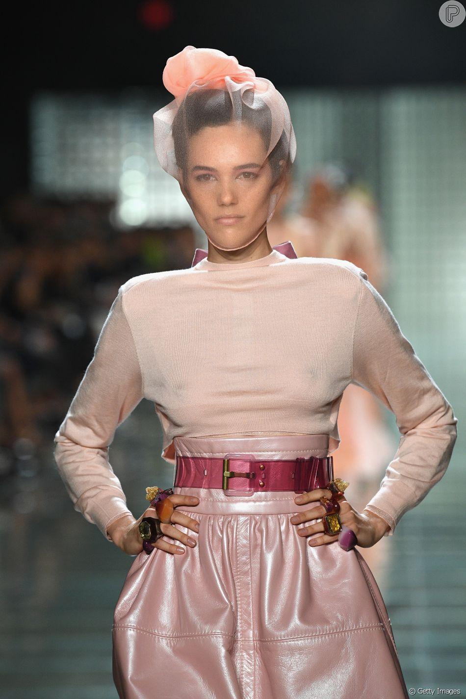 ce097b5a5 Transparência sem lingerie! No desfile de Marc Jacobs