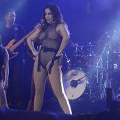 Anitta explica figurino ousado em show: 'Tô solteira, quero sensualizar'