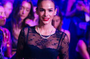 Bruna Marquezine posa de top e hot pants Dolce & Gabbana. Veja a lingerie!