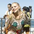 Luísa Sonza se apresenta na Parada LGBT no Rio de Janeiro