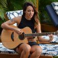 Além de cantora, Alinne Rosa também é compositora