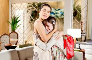 'Aventuras de Poliana': Poliana deixa bilhete e sai de casa após briga com Luísa