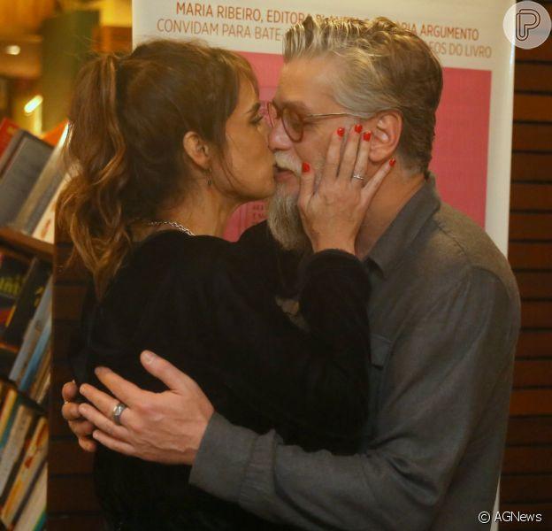 Maria Ribeiro e Fabio Assunção reatam namoro