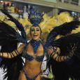 Sabrina Sato desfila emocionada pela Unidos de Vila Isabel