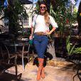 Jeans e bota combinam perfeitamente com o visual mais descolado de Paula Fernandes