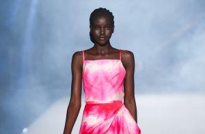 10 looks em estilos totalmente diferentes pra entrar no clima do Outubro Rosa