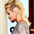 Rita Ora usa um par de brincos de diamantes de 15 quilates no GQ Men of The Year Awards 2014