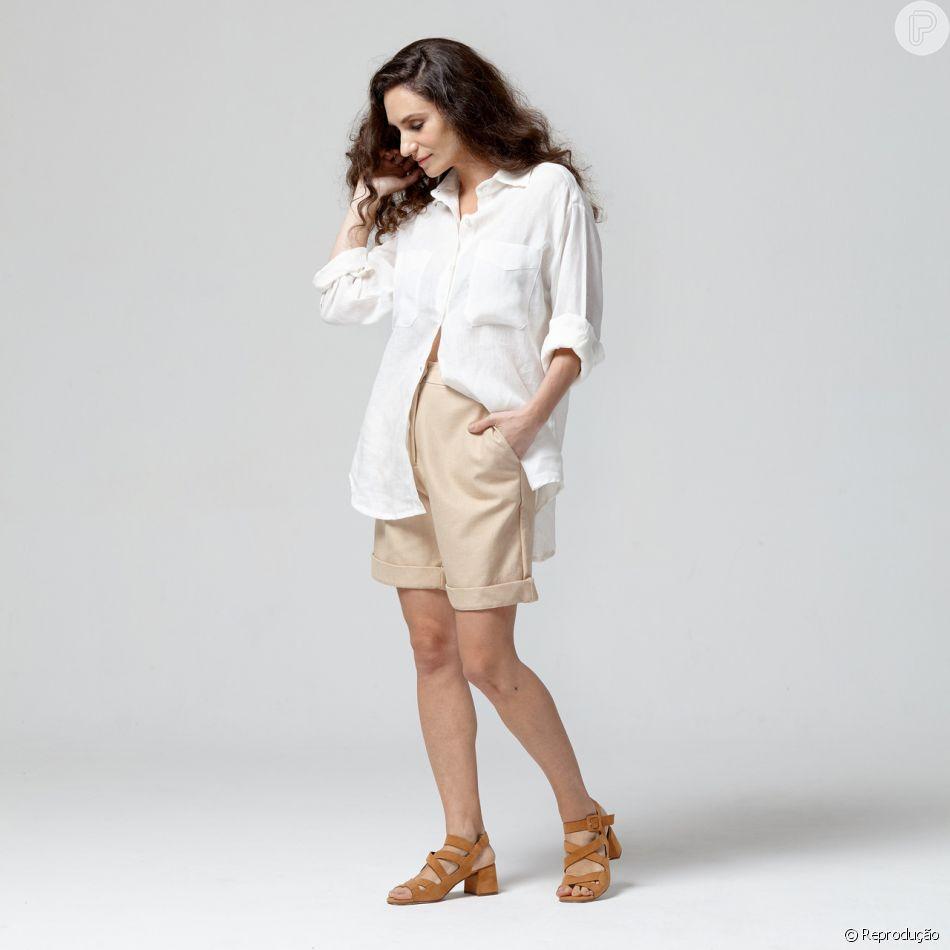 A camisa branca de linho da Brisa Slow Fashion custa R$ 540