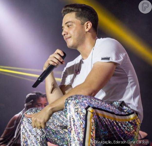 Wesley Safadão escolheu uma calça da Gucci para show no Ceará no último fim de semana
