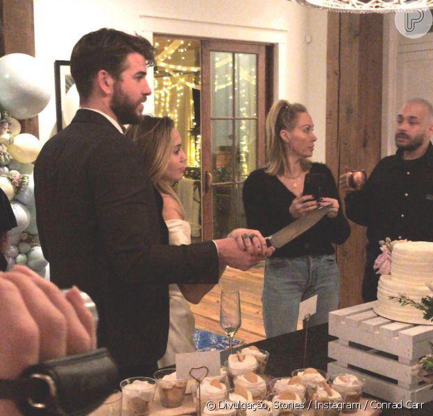 Miley Cyrus e Liam Hemsworth reúnem família e amigos em união íntima