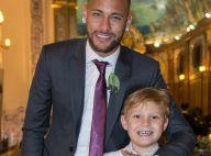 Filho de Neymar se diverte com jogador em piscina de sabão na Bahia: 'Amor'