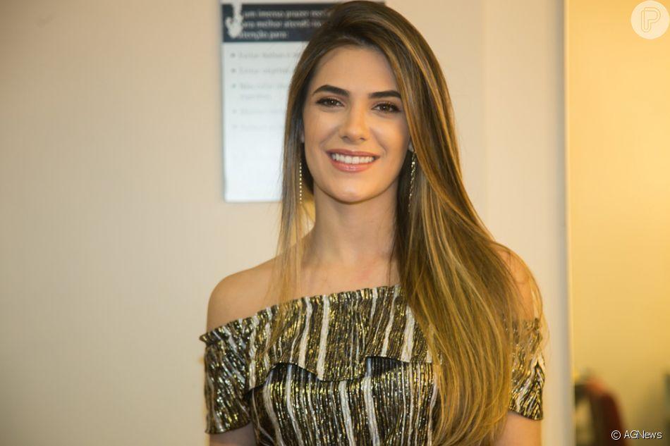 Ela tinha a faculdade que terminou esse ano e agora vamos ter mais tempo  para conversar mais sobre isso , disse Luan Santana sobre Jade Magalhães ace87ea780