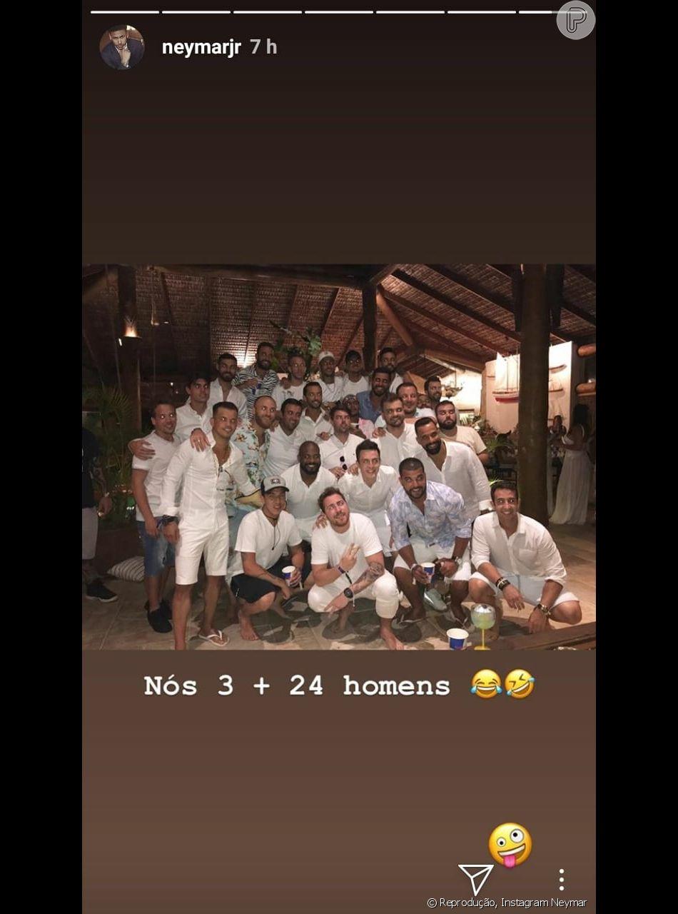 Neymar, Gabriel Medina e Arthur Mel refizeram foto de réveillon após críticas: 'Nós três mais 24 homens'