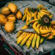 Pode ser batido com banana, para adoçar o fruto