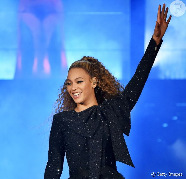 Beyoncé está oferencendo ingressos vitalícios para seus show e do marido, Jay-z, em promoção divulgada nas redes sociais.