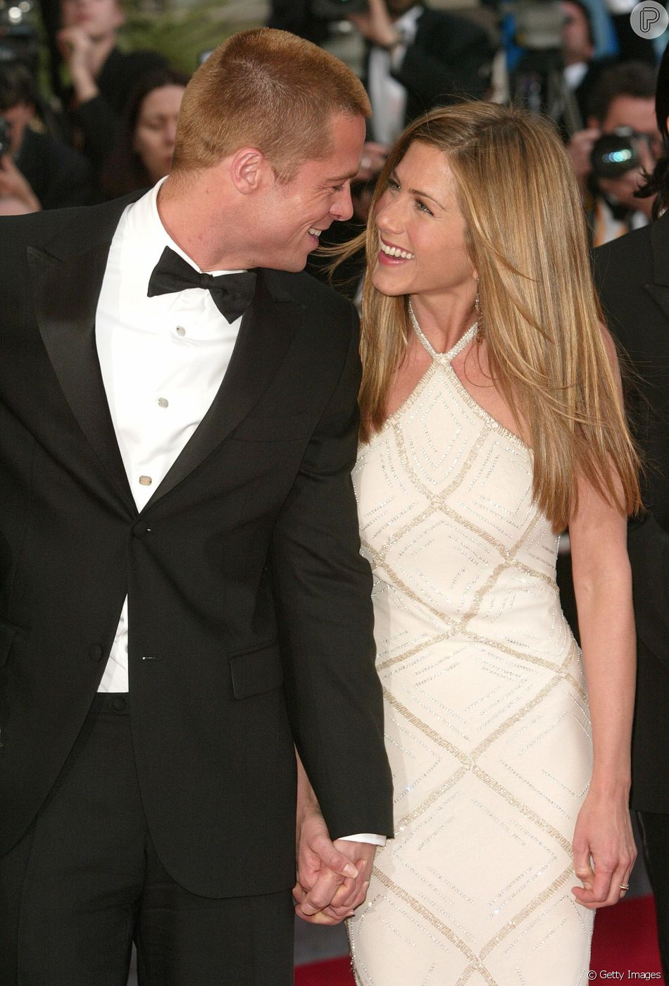 Brad Pitt foi visto na festa de aniversário de 50 anos de Jennifer Aniston