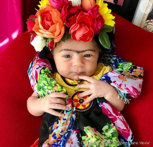 A bebê Liberty é a modelo de uma série de fotos criada pela mãe, Jenelle, nas quais se inspira em mulheres poderosas da história, como Frida Kahlo