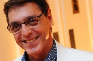 Após tratamento contra câncer, Guilherme Leme faz 53 anos e retorna aos palcos