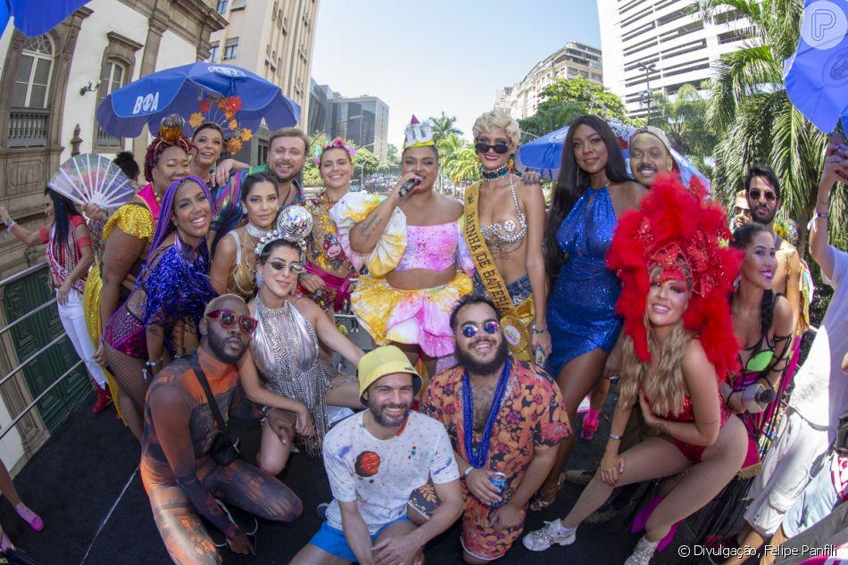 Em seu décimo ano, o Bloco da Preta reúne Carolina Dieckmann, Fernanda Paes Leme, Luísa Sonza e mais famosas no Centro do Rio de Janeiro, na manhã deste domingo, 24 de fevereiro de 2019