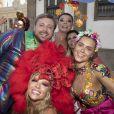 Luísa Sonza também prestigiou Preta Gil em bloco de Carnaval