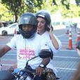 Anitta recorreu um mototáxi para não se atrasar para o Bloco das Poderosas
