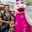Fernanda Rodrigues se divertiu com a filha,  Luisa, em viagem de férias