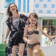 Fernanda Rodrigues curtiu parque aquático com a filha em Fortaleza, no Ceará