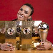 Marta chora ao fazer discurso na ONU: 'Doeu quando não me deixaram jogar'