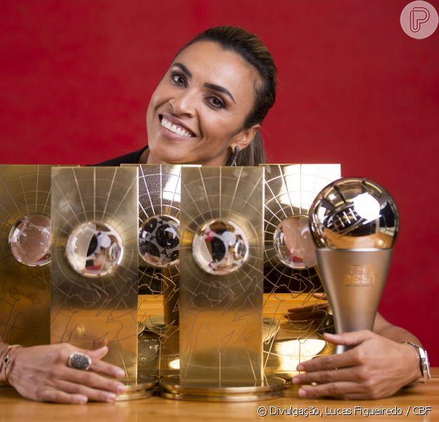 Marta Silva faz discurso emocionante em evento do Comitê Olímpico Internacional.