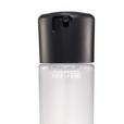 A MAC tem o Fix+, uma bruma finalizadora que garante longa duração na maquiagem. O legal desse produto é aplicá-lo entre as camadas, garantindo uma fixação maior