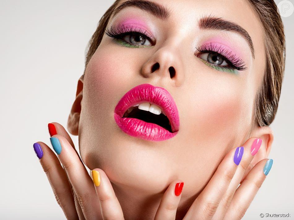 Maquiagem de longa duração a noite toda? Os sprays fixadores dão conta do recado