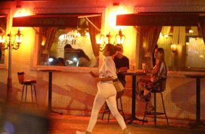 Marina Ruy Barbosa come prato saudável e diverte colega de elenco em restaurante